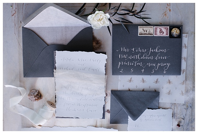 gray-wedding-invitation-suite-carnefix-photography