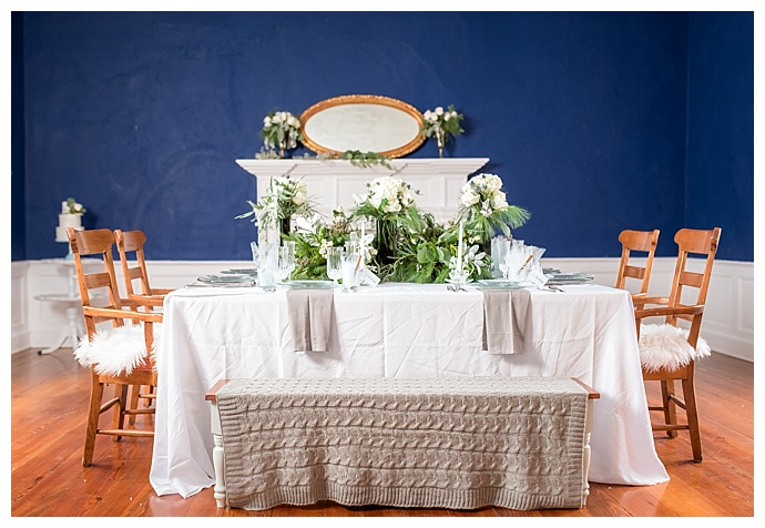greenery-wedding-table-decor-lindsey-lyons-photography