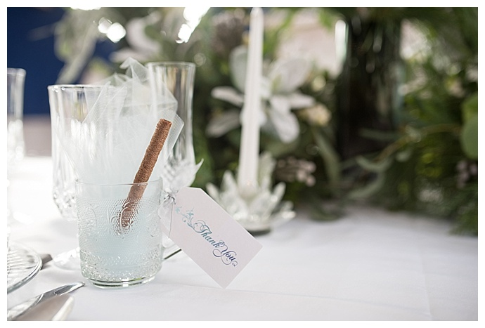 hot-chocolate-wedding-favors-lindsey-lyons-photography