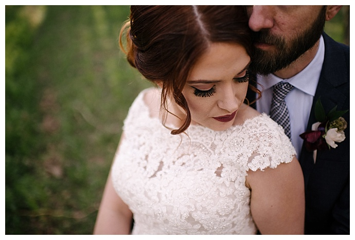 lace-cap-sleeve-wedding-dress-carnefix-photography
