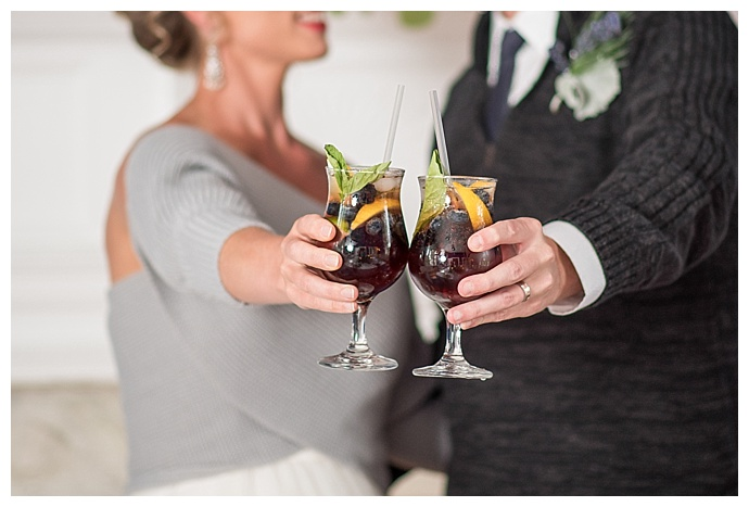 lindsey-lyons-photography-winter-wedding-cocktails