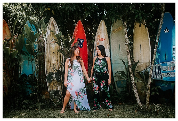 mle-pictures-maui-surfboard-fence-engagement-shoot