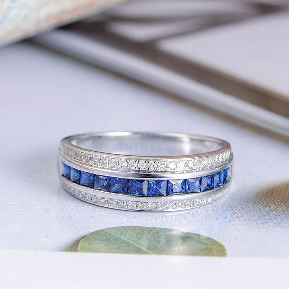 princess-cut-sapphire-wedding-band