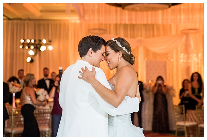true-photography-two-brides-first-dance-