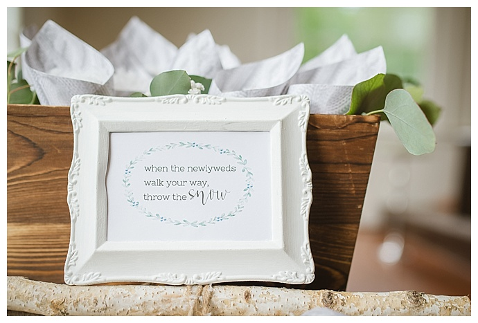 winter-ceremony-toss-ideas-lindsey-lyons-photography