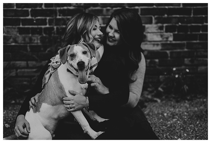 apaige-photography-dogs-in-engagement-photos