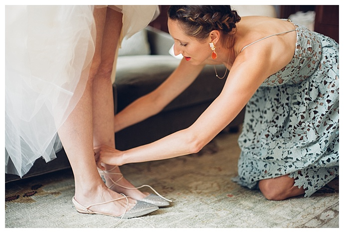 charming-in-love-photography-pointed-toe-wedding-flats