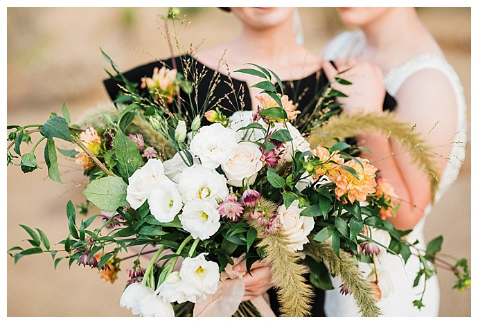 fall-colored-wedding-bouquet-kristen-kay-photography