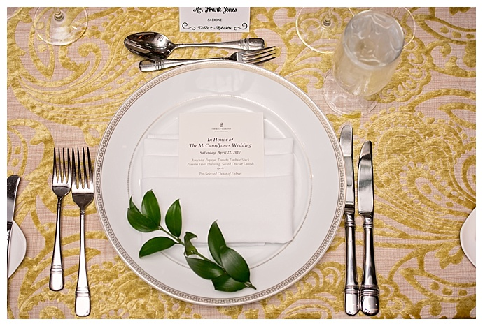 jamie-reinhart-photography-yellow-wedding-tablescape