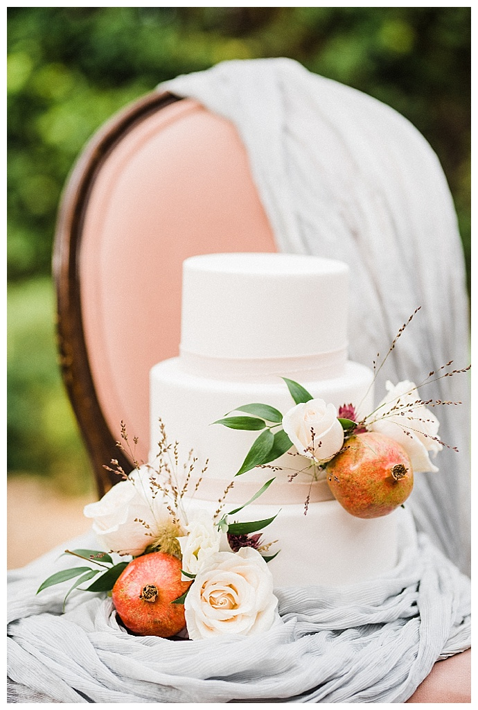 kristen-kay-photography-pomegranate-wedding-cake-decoration