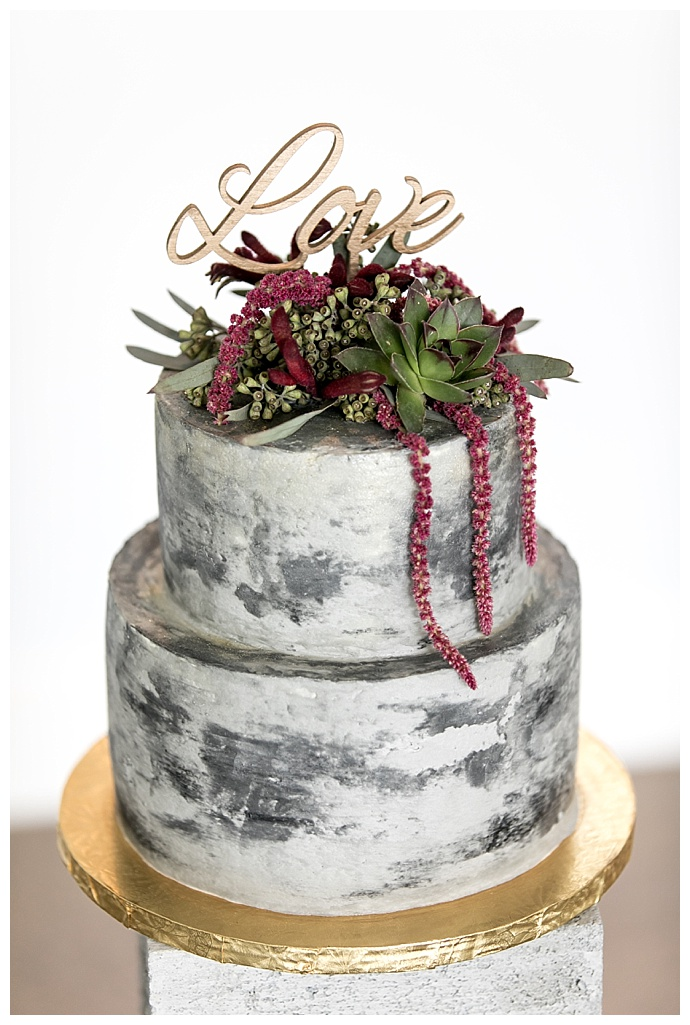 concrete-wedding-cake-hattie-root-photography