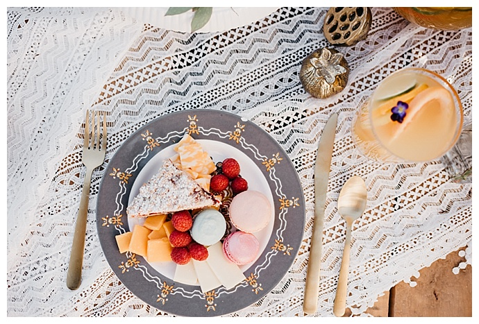 deyla-huss-photography-lace-table-runner