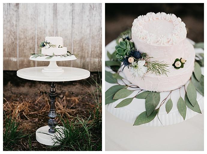 deyla-huss-photography-two-tiered-white-wedding-cake