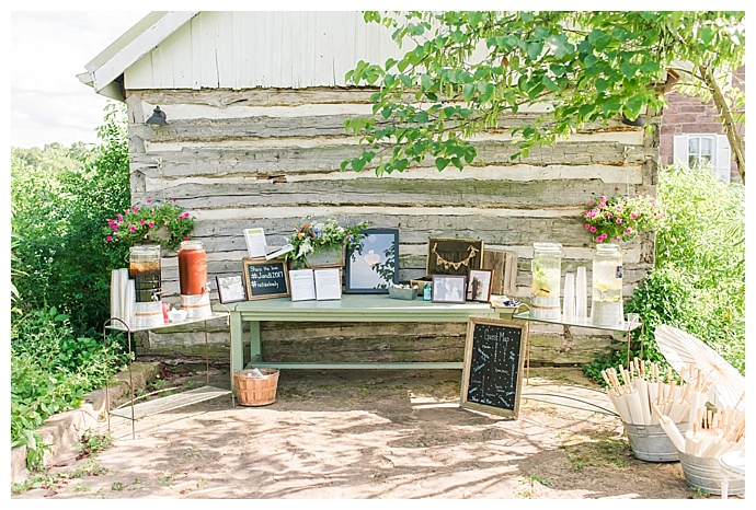 marlayna-photography-rustic-gift-table