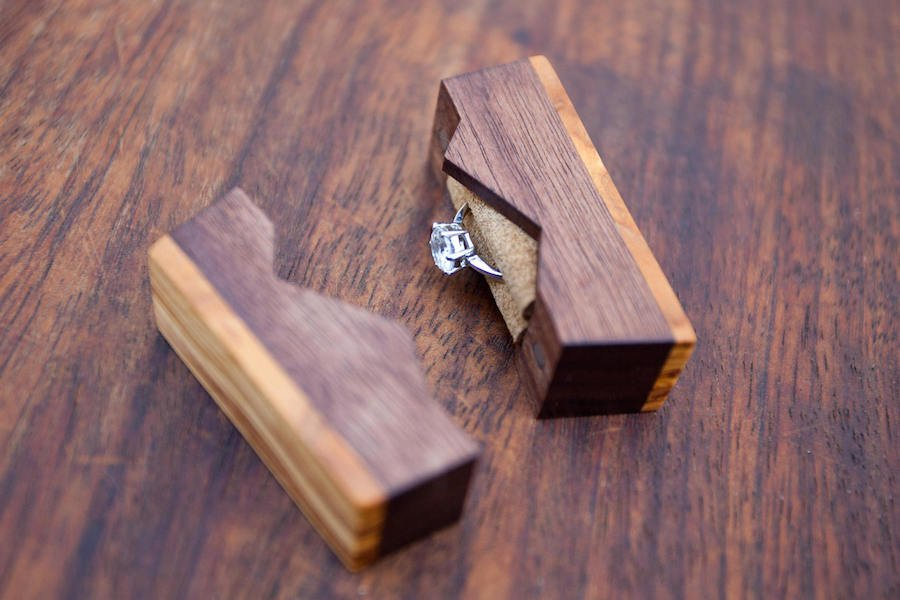 mountain-style-small-proposal-ring-box