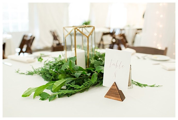 rustic-chic-wedding-reception-bethanne-arthur-photography
