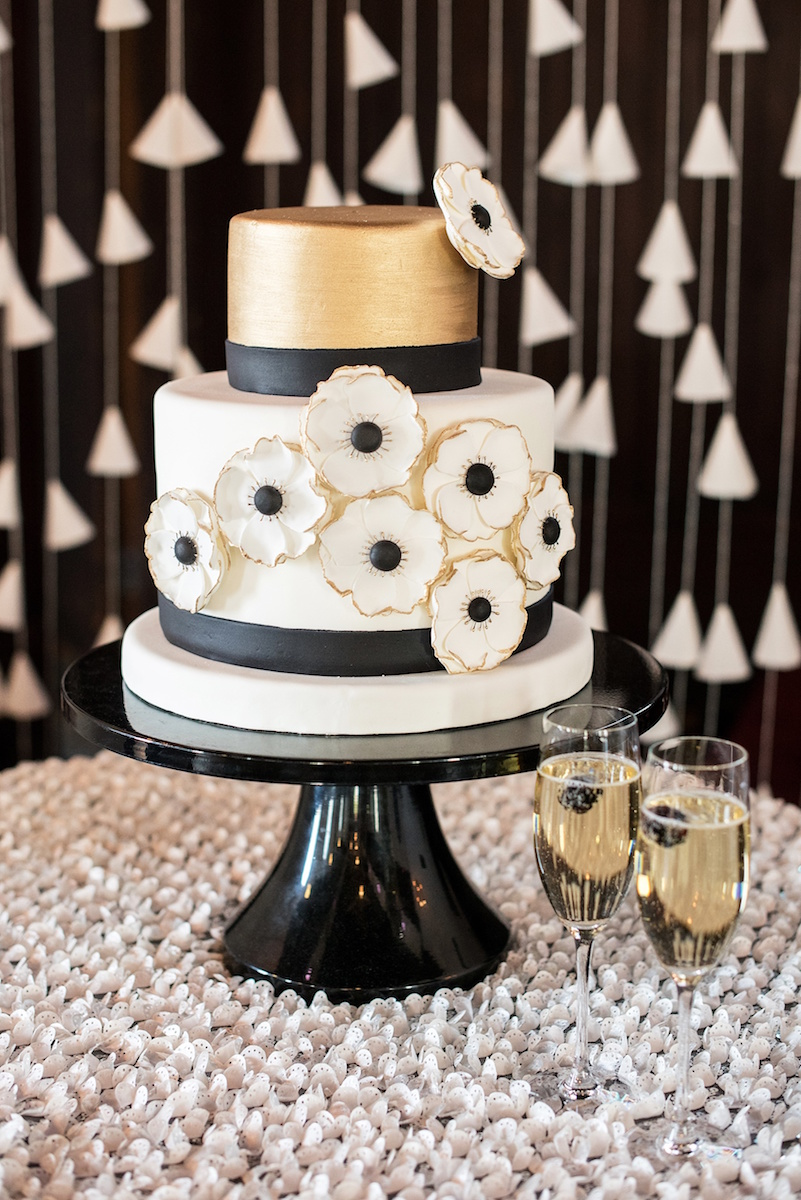 3d-floral-wedding-cake-mikkel-paige-photography-best-cakes-of-2017