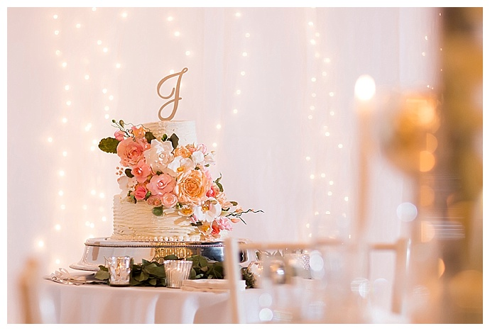 aislinn-kate-photography-ripple-wedding-cake