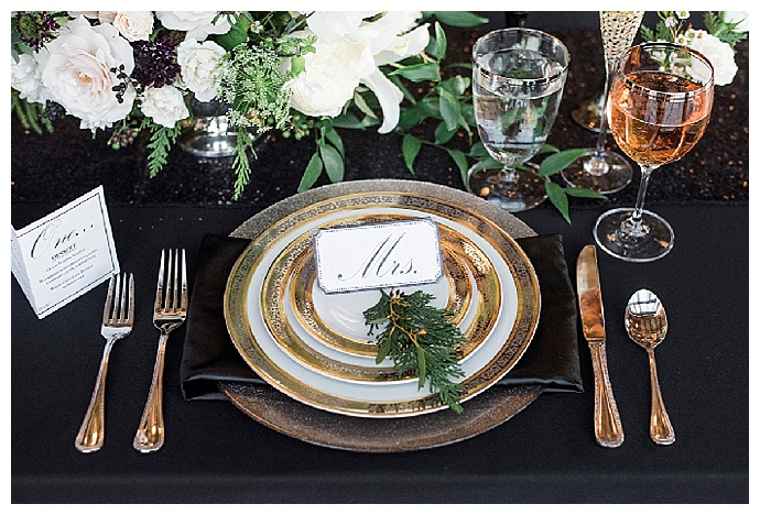 alicia-king-photography-black-and-gold-wedding-tablescape
