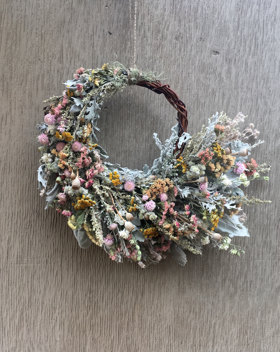 asymmetrical-dried-flower-wreath