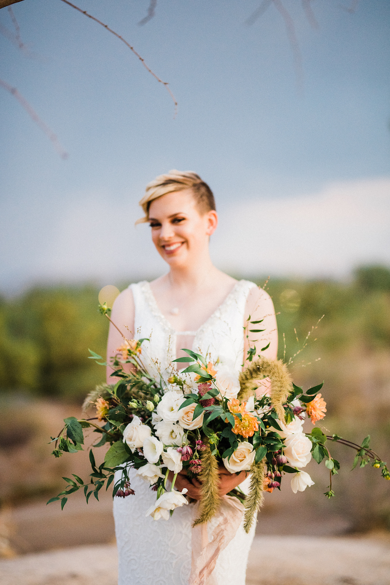 earth-toned-floral-wedding-bouquet-kristen-kay-photography