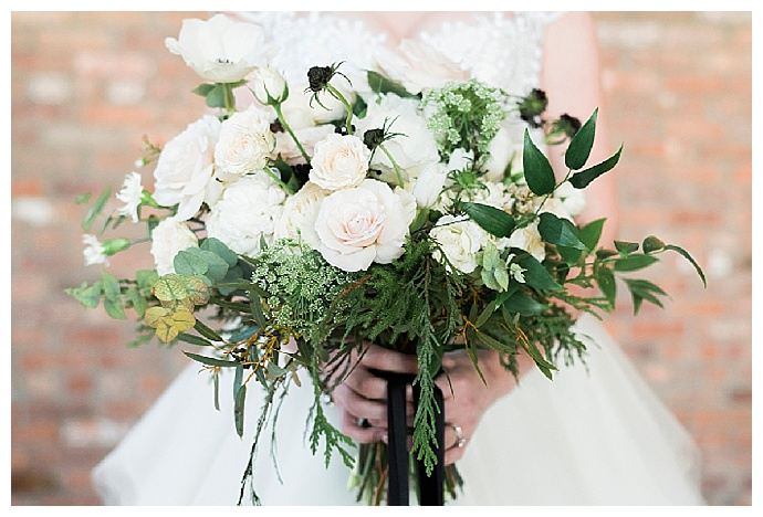 greenery-and-white-flower-bouquet-alicia-king-photography