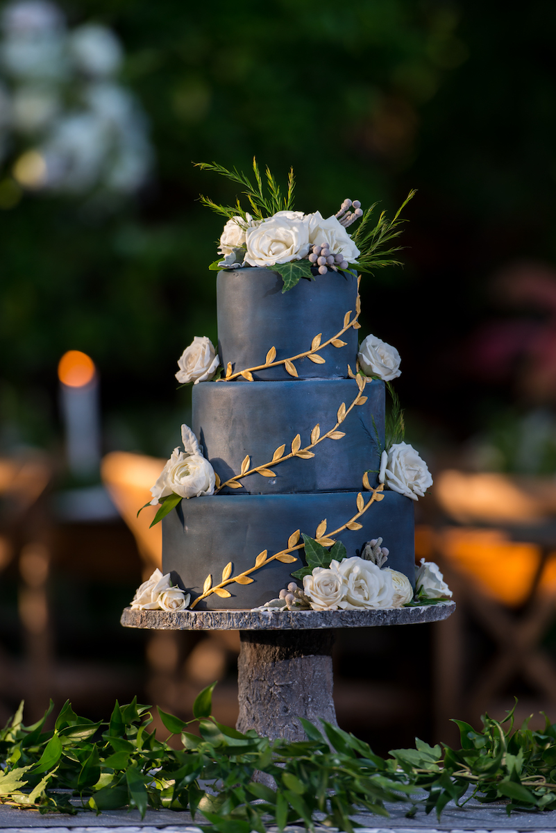 navy-and-gold-wedding-cake-best-cakes-of-2017