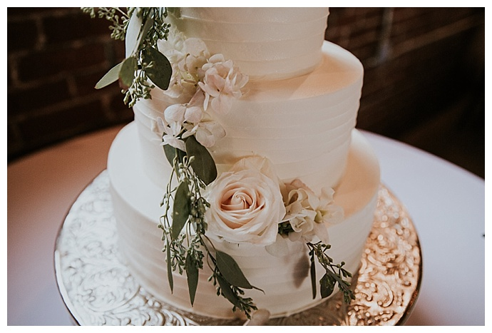 ripple-wedding-cake-cheyenne-kidd-photography