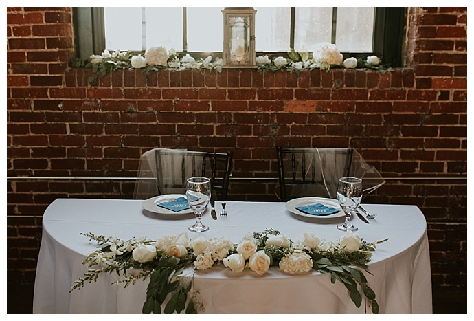 rustic-sweetheart-table-decor-cheyenne-kidd-photography