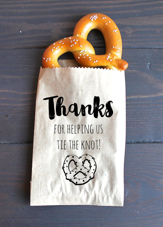 thanks-for-helping-us-tie-the-knot-favor-bags