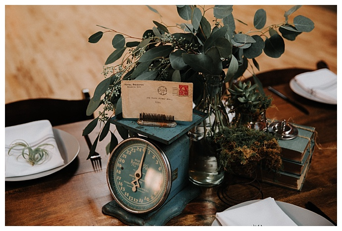 vintage-wedding-centerpieces-t-and-k-photography