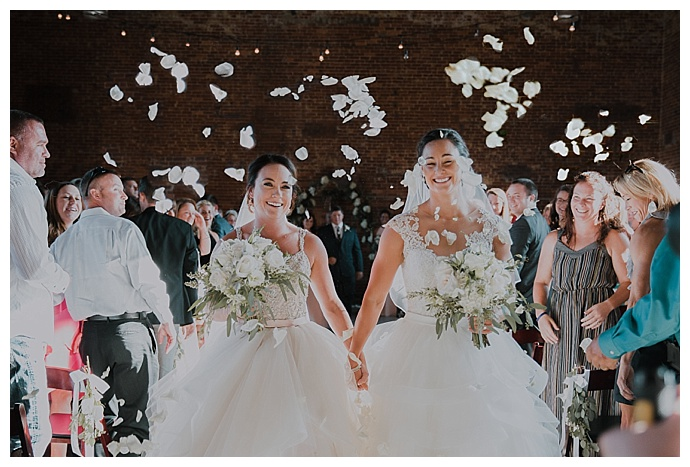 white-rose-petal-ceremony-toss-cheyenne-kidd-photography