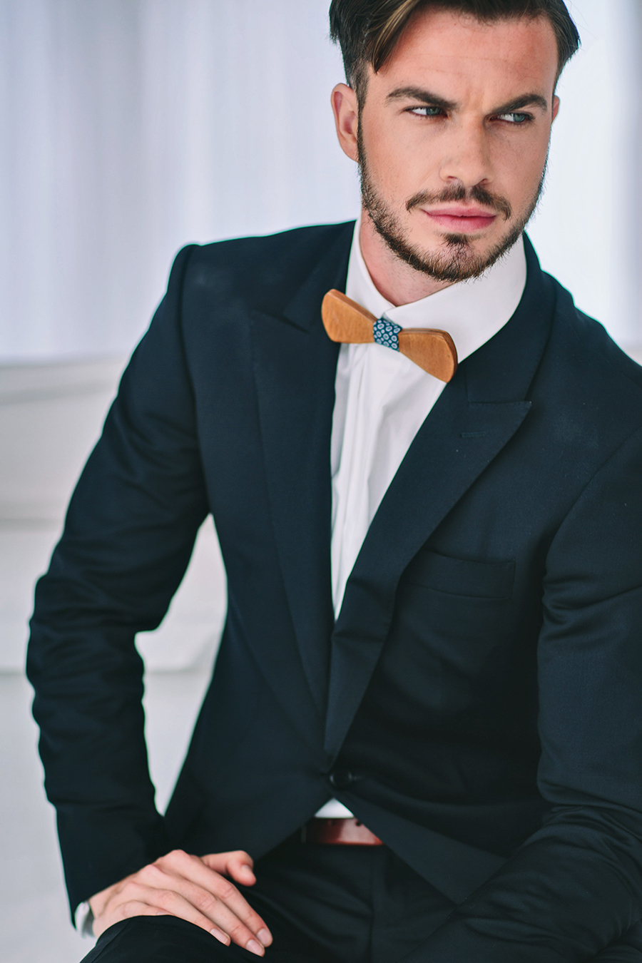 wooden-wedding-bow-tie-george-pahountis-photographer