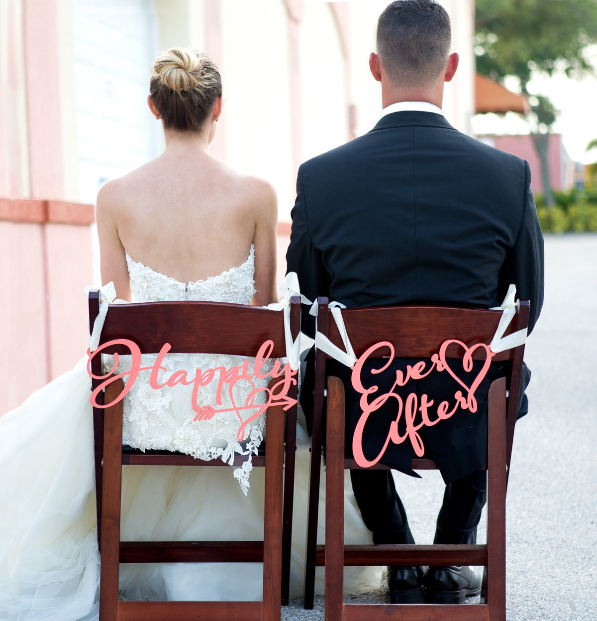 happily-ever-after-chair-signs