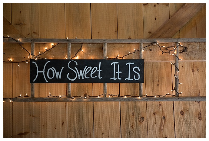 how-sweet-it-is-reception-sign-jessica-jaccarino-photography