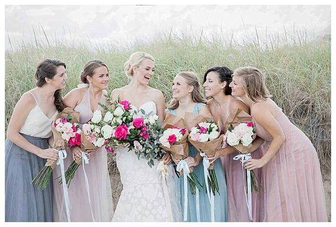 jessica-jaccarino-photography-brown-bag-wrapped-bridesmaids-bouquets