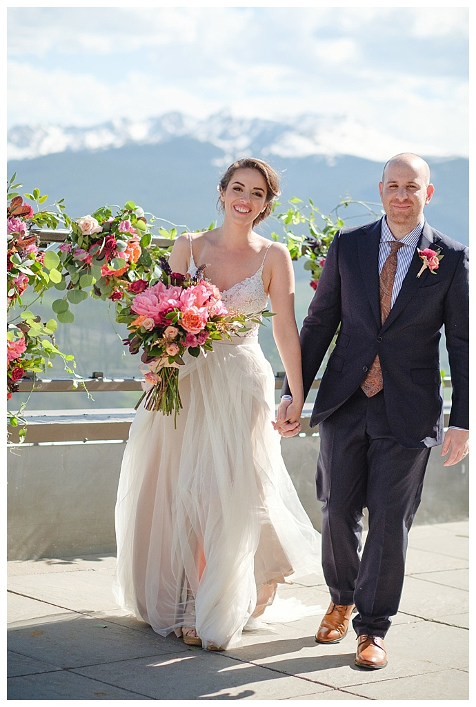 marc-edwards-photographs-pink-wedding-flowers