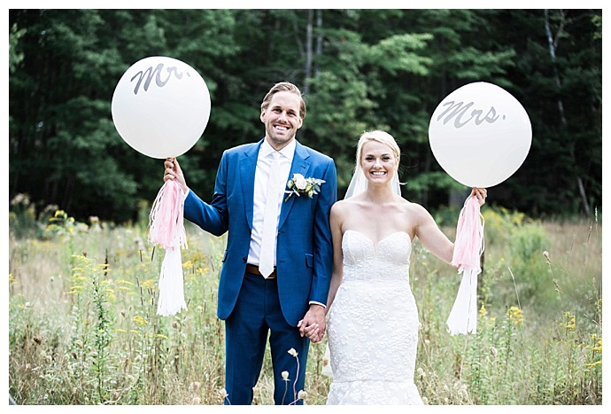 mr-and-mrs-wedding-balloons-jessica-jaccarino-photography