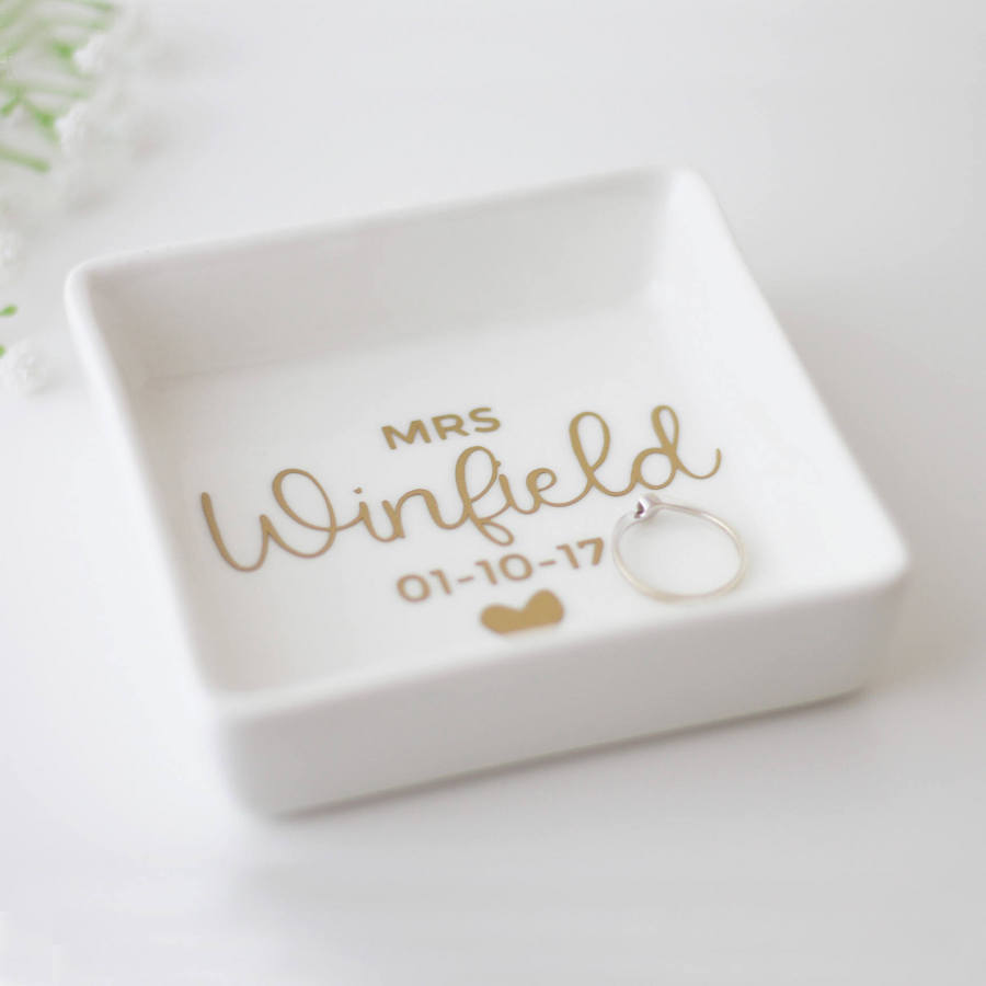 personalized-mrs-engagement-ring-dish