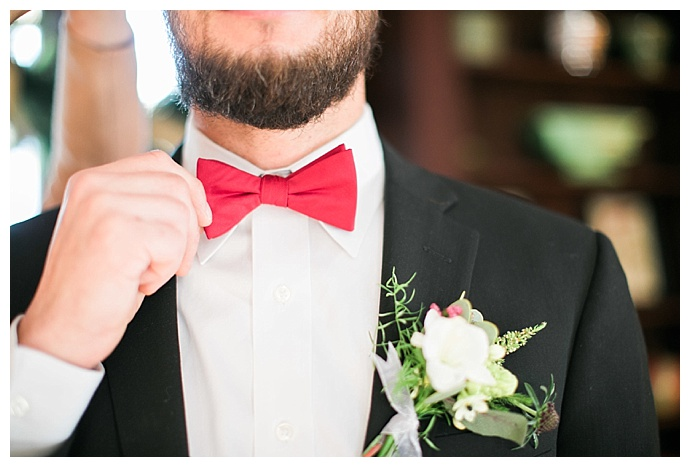 red-wedding-bow-tie-sokhha-photography
