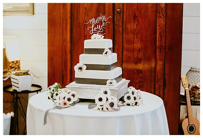 square-wedding-cake-so-life-studios