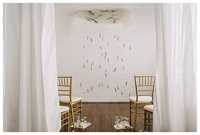 unique-ceremony-backdrop-ampersand-grey-photography