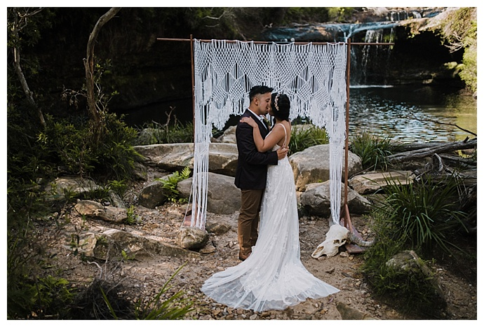 boho-ceremony-backdrop-translucent-photography