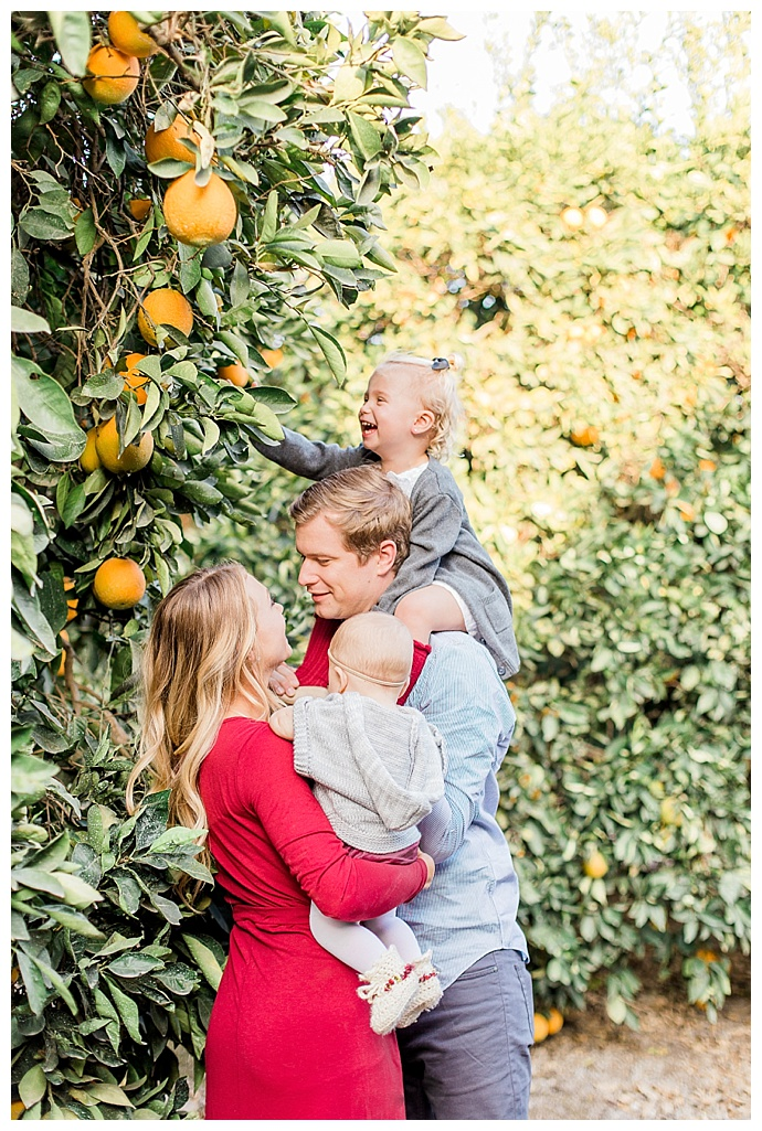 orange-picking-family-pictures-dana-sophia-photography