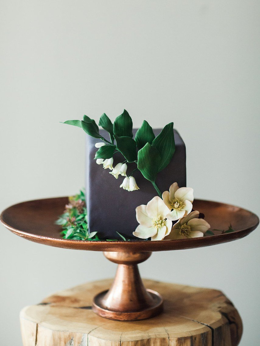 square-gray-wedding-cake