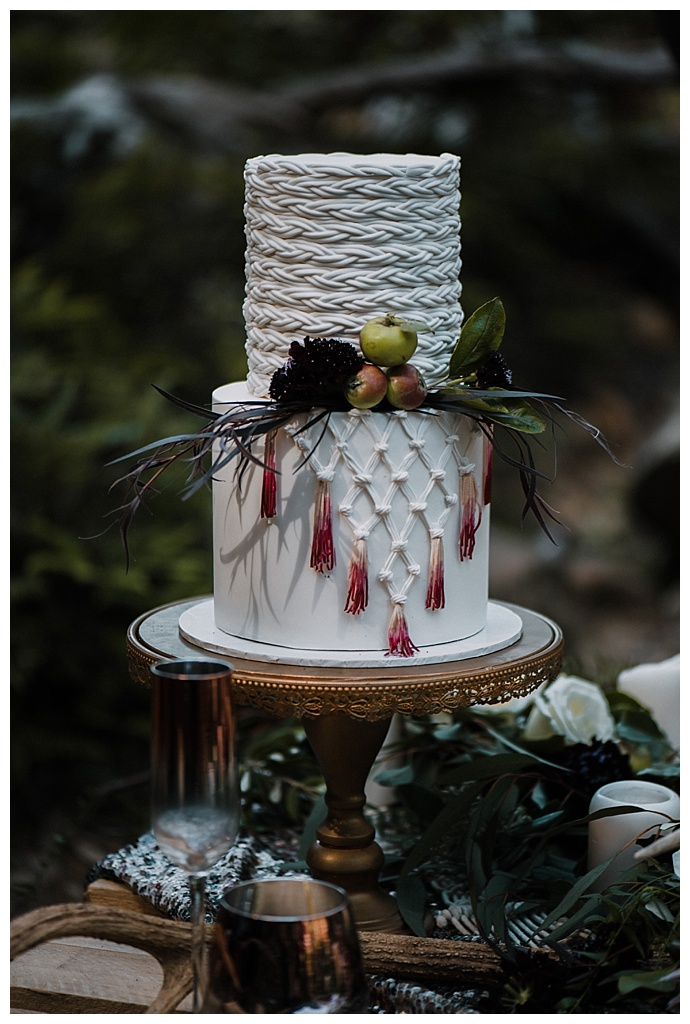 translucent-photography-boho-wedding-cake