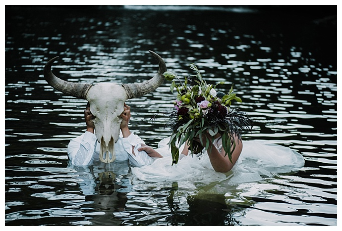 translucent-photography-in-the-water-wedding-photos