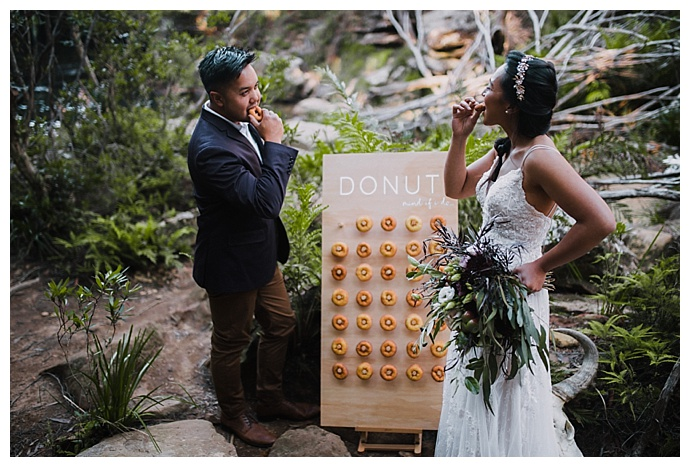 translucent-photography-wedding-donut-wall