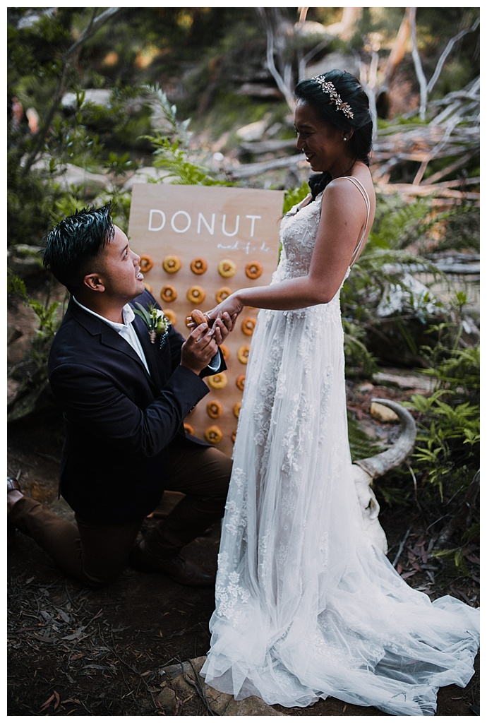 translucent-photography-wedding-donuts