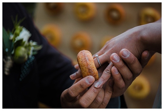 wedding-donuts-translucent-photography